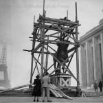 Statue équestre du maréchal Foch sur la butte de Chaillot en 1948