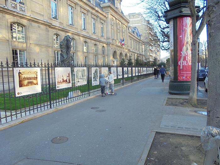Exposition de photos sur les grilles de la mairie du 16 arrondissement de Paris - 2019-2020